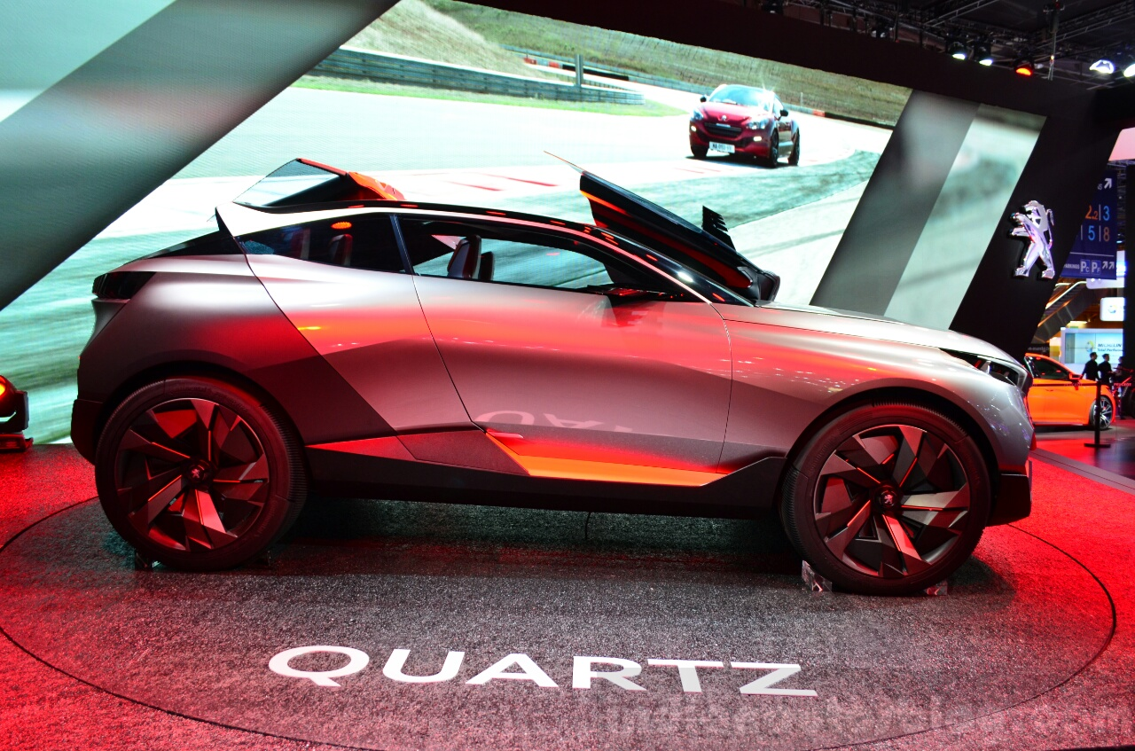 Peugeot Quartz profile side at the 2014 Paris Motor Show