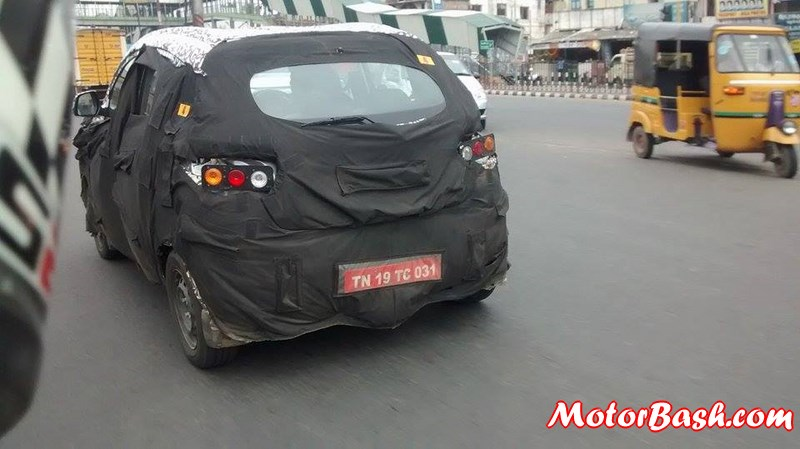 Spied Mahindra S101 spotted rear