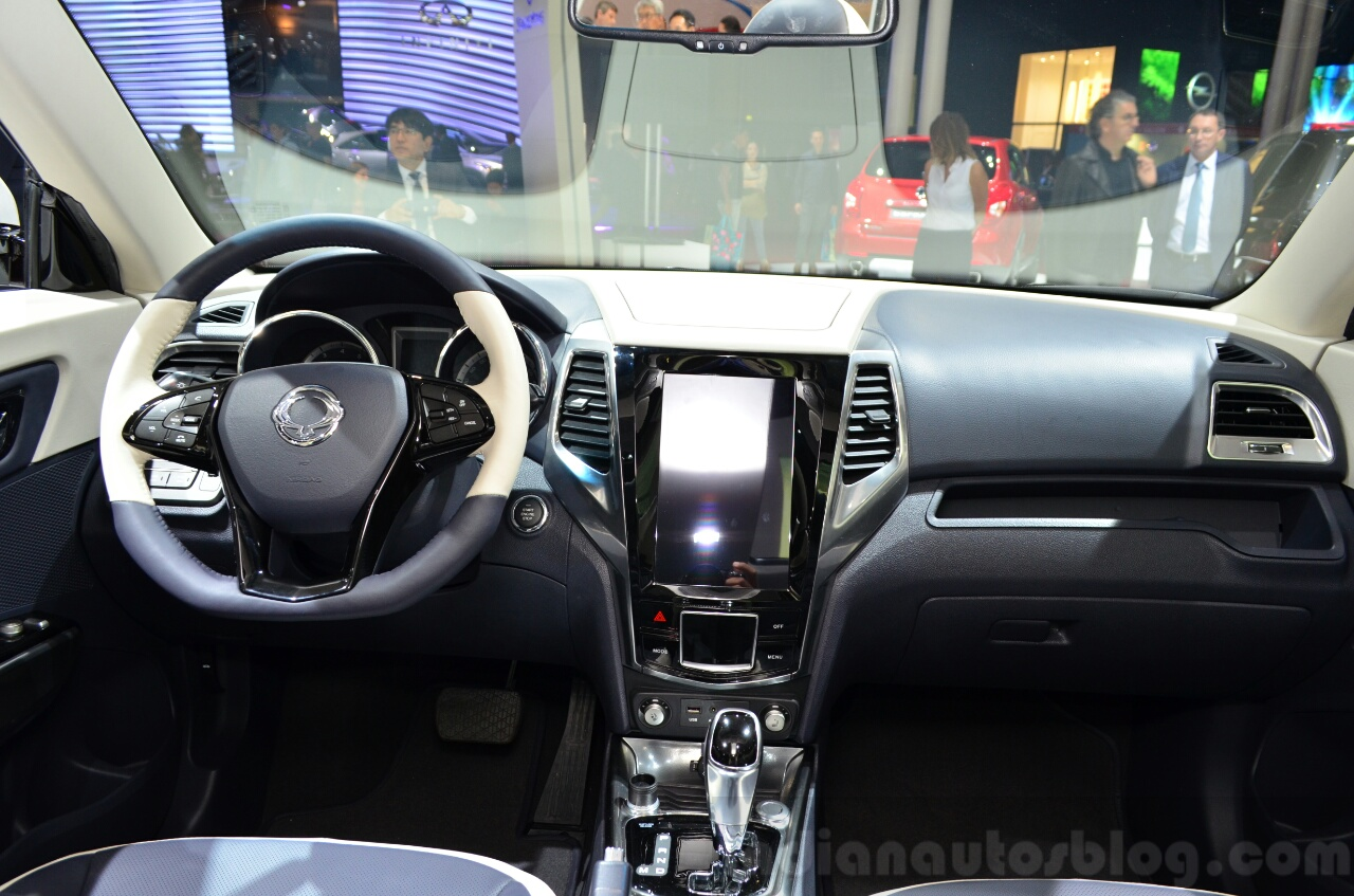 Ssangyong XIV-Air Concept dashboard at the 2014 Paris Motor Show