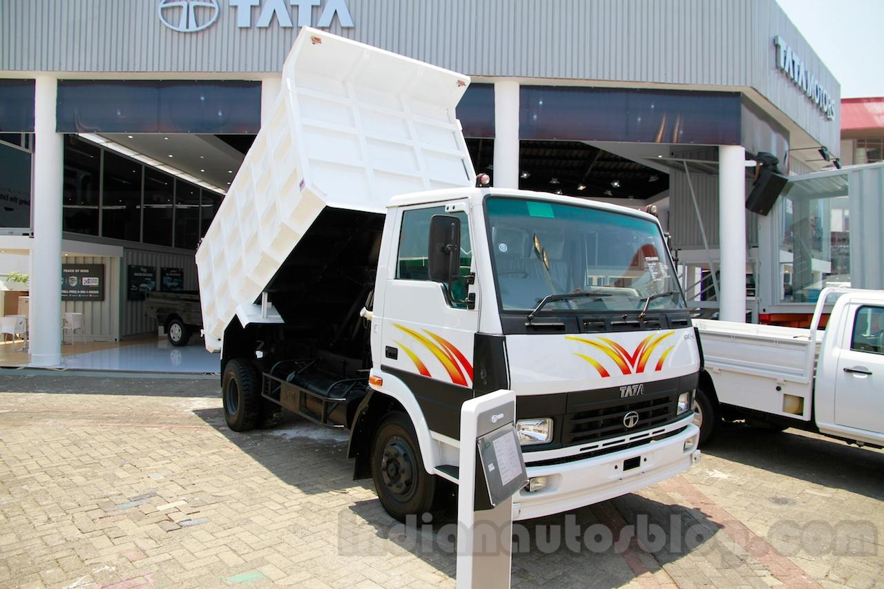 Tata LPT 913 at the 2014 Indonesia International Motor Show