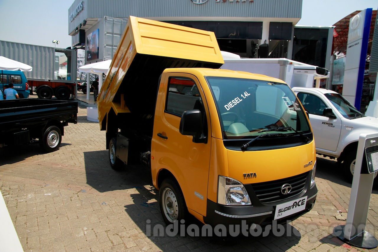 Tata Super Ace Tipper at the 2014 Indonesia International Motor Show front quarters