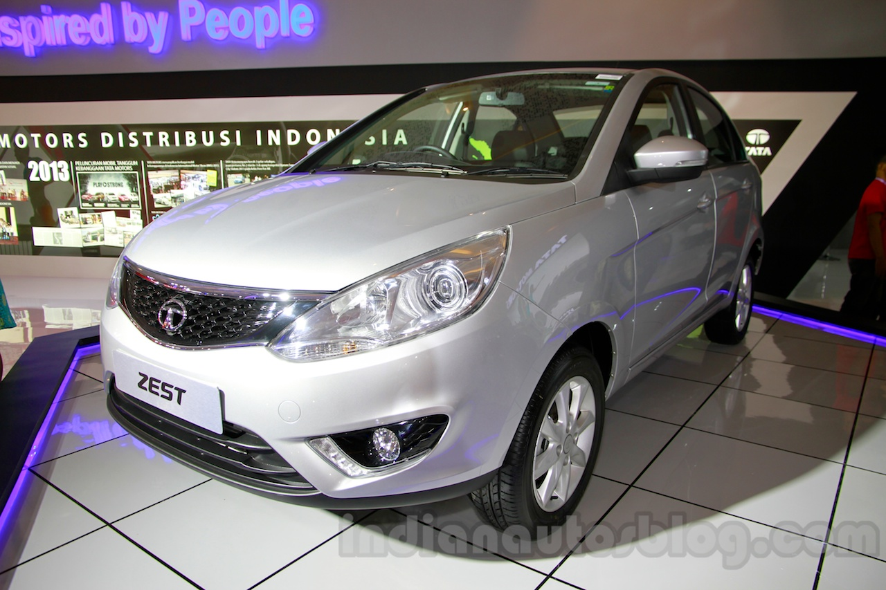 Tata Zest at the 2014 Indonesia International Motor Show front quarters