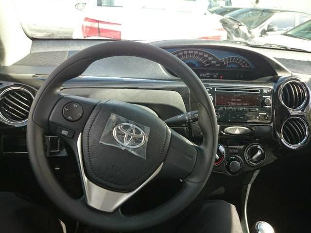 Toyota Etios facelift Brazil new steering wheel