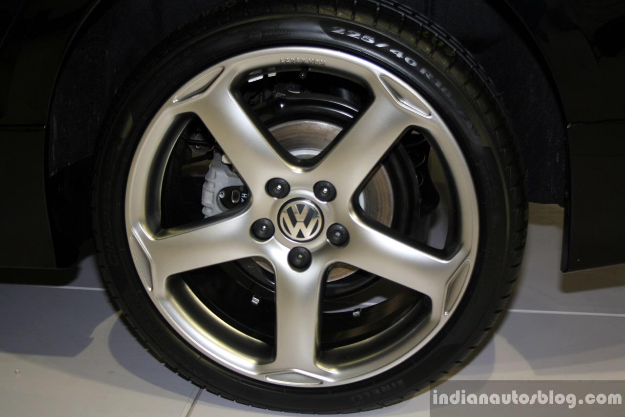 VW Jetta Sport Edition alloy wheel at the 2014 Philippines International Motor Show