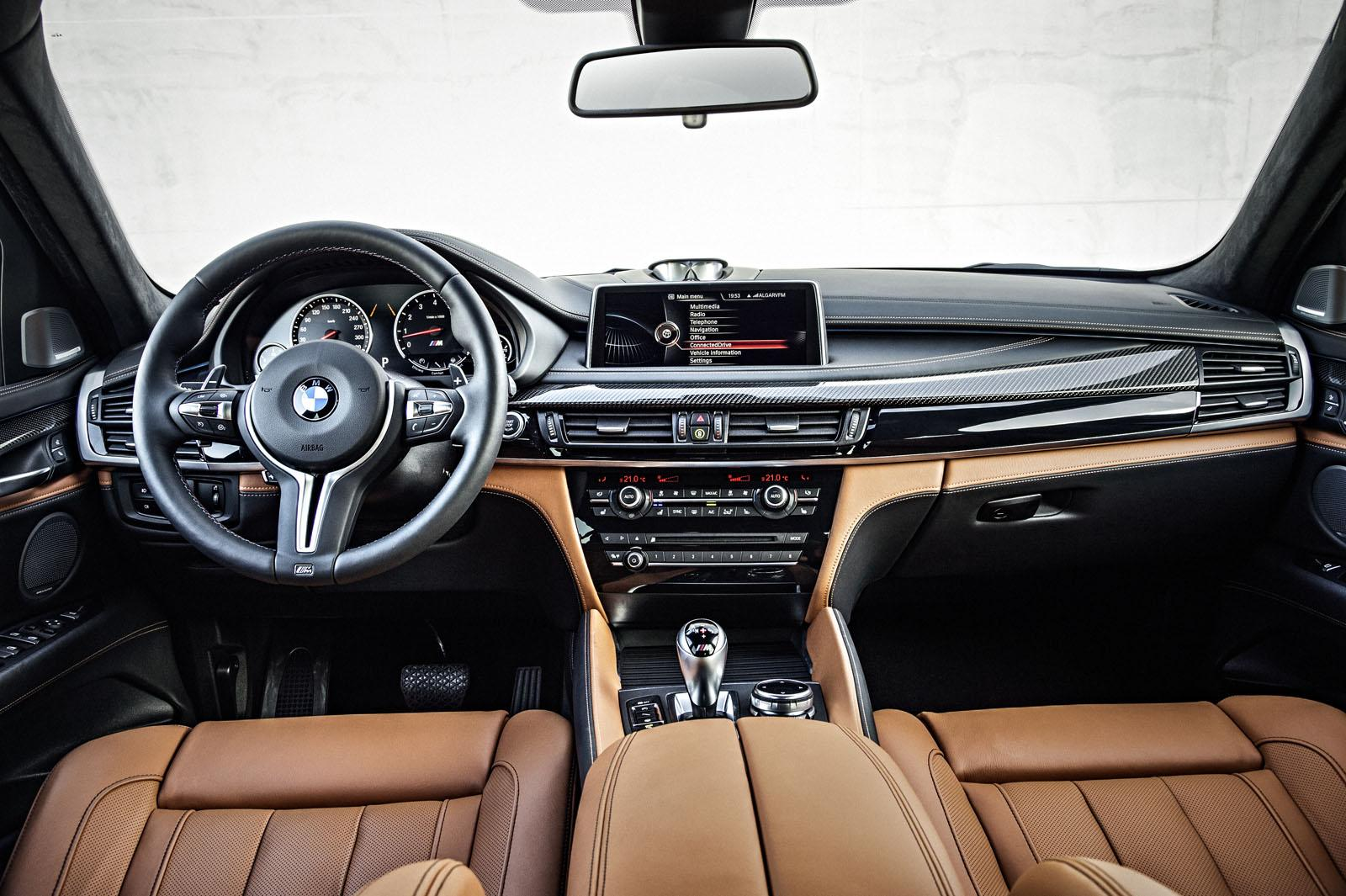2015 BMW X6 M dashboard