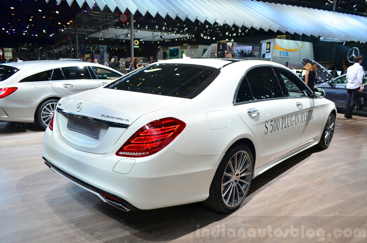 2015 Mercedes S500 Plug-in Hybrid rear three quarter at the 2014 Paris Motor Show