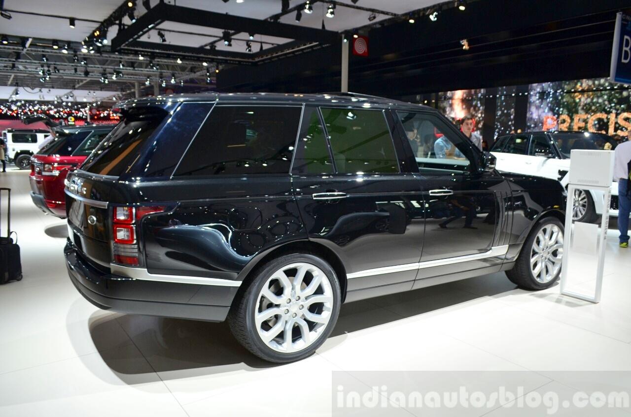2015 Range Rover rear three quarter at the 2014 Paris Motor Show