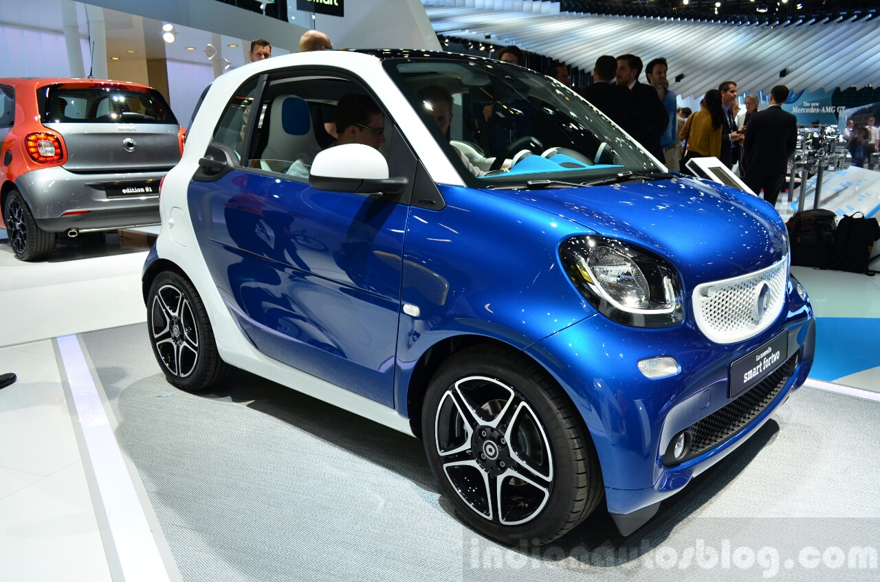 2015 Smart ForTwo dual-tone front three quarter  at 2014 Paris Motor Show