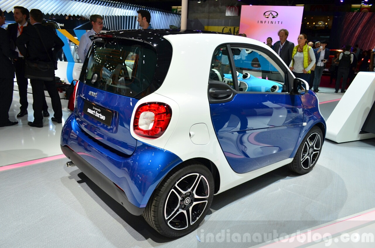 2015 Smart ForTwo dual-tone  rear three quarter at 2014 Paris Motor Show