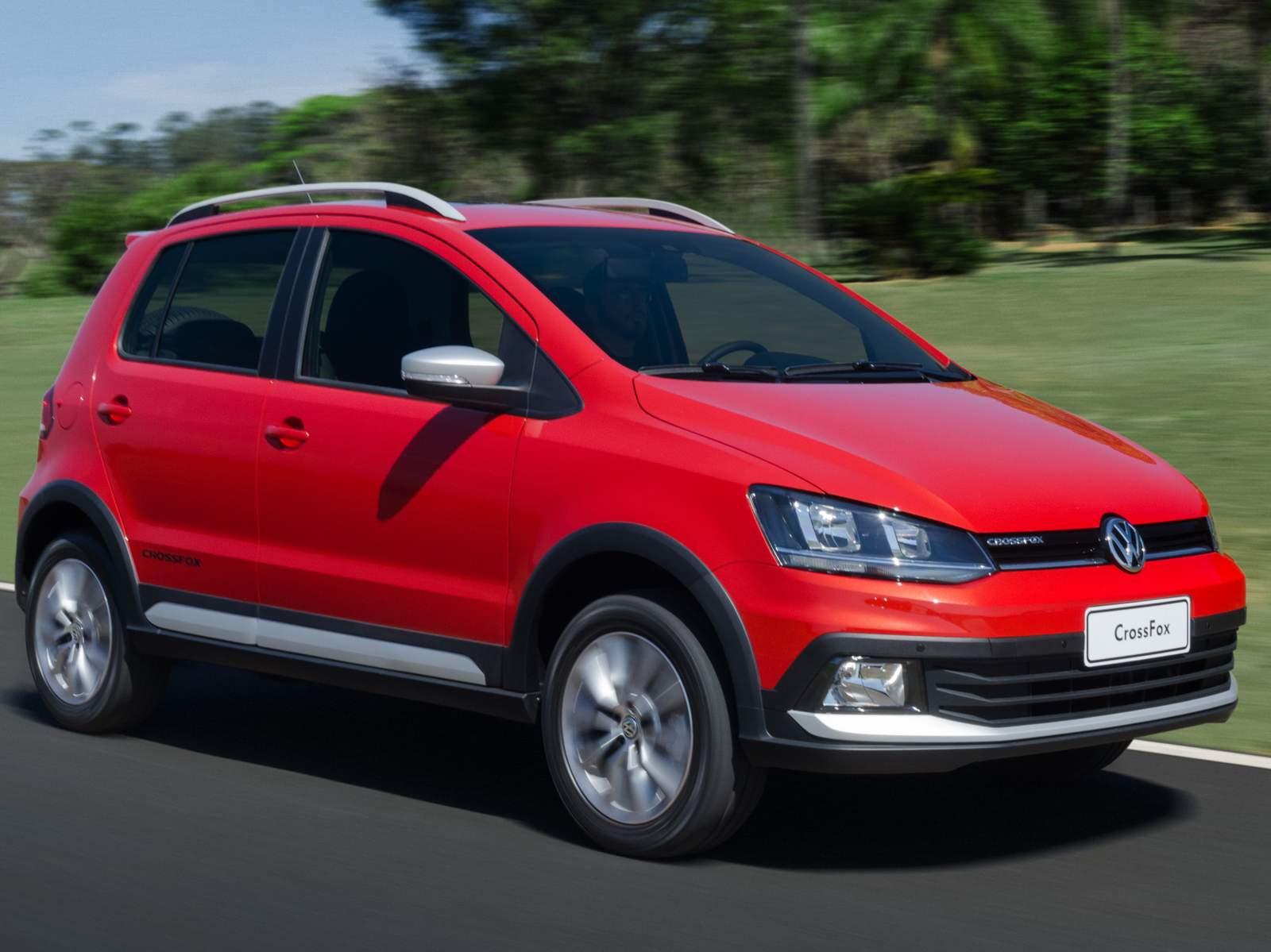 2015 VW CrossFox front quarter