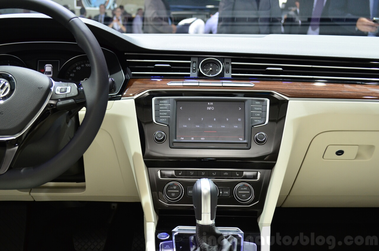 2015 VW Passat display at the 2014 Paris Motor Show