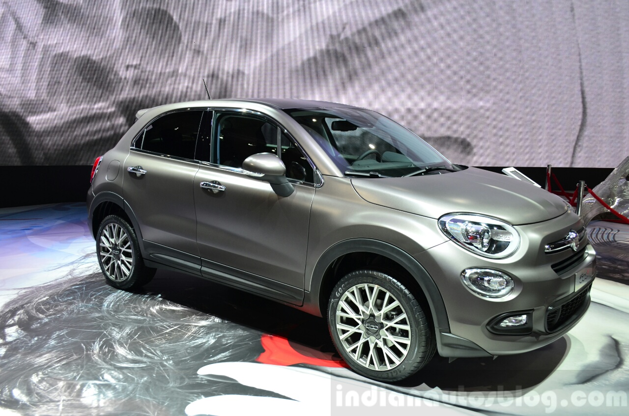 Fiat 500X front three quarters left at the 2014 Paris Motor Show