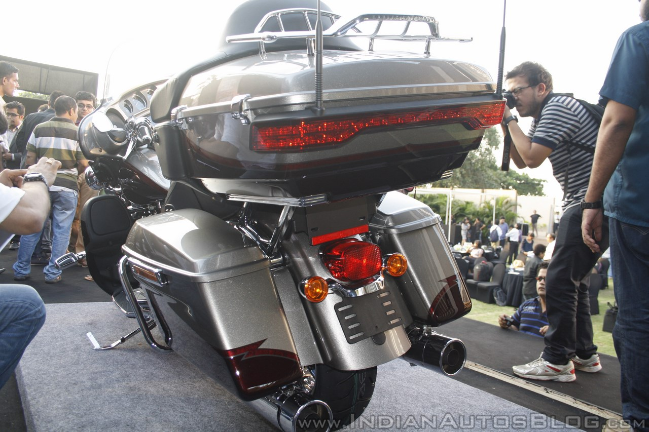 Harley Davidson CVO Limited rear