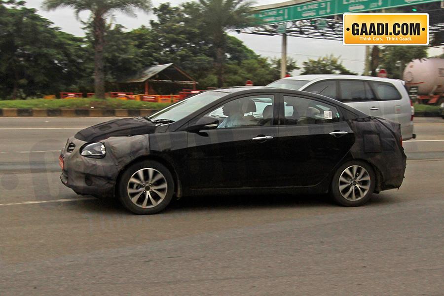 Hyundai Verna facelift side spied Chennai