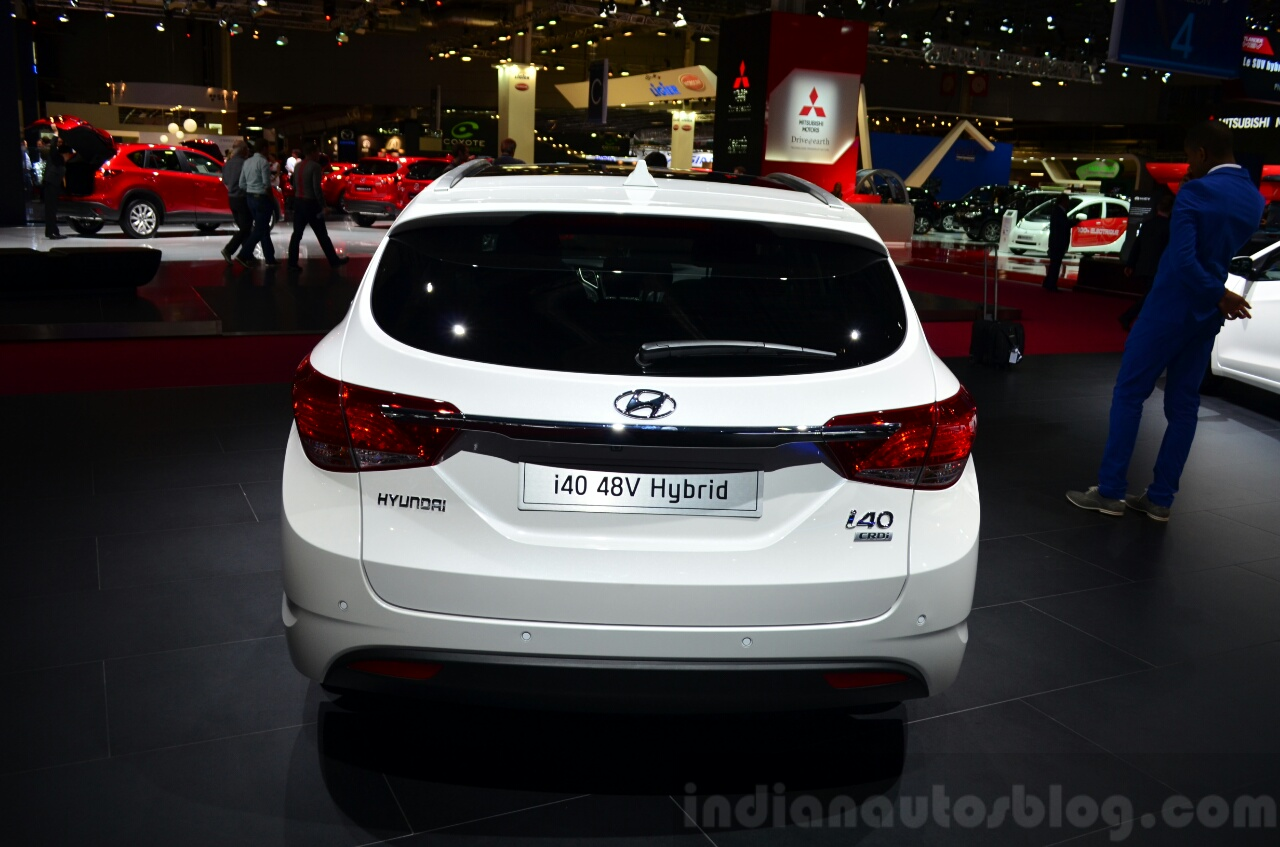 Hyundai i40 48V Hybrid rear at the 2014 Paris Motor Show
