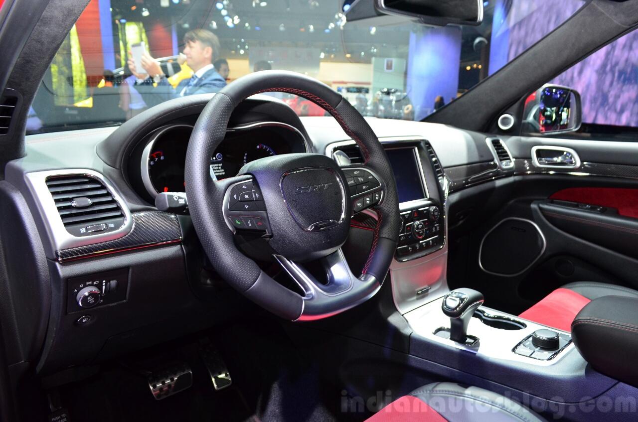 Jeep Grand Cherokee SRT Red Vapor interior at the 2014 Paris Motor Show