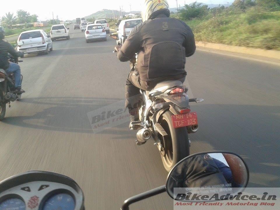 Mahindra Mojo spied rear