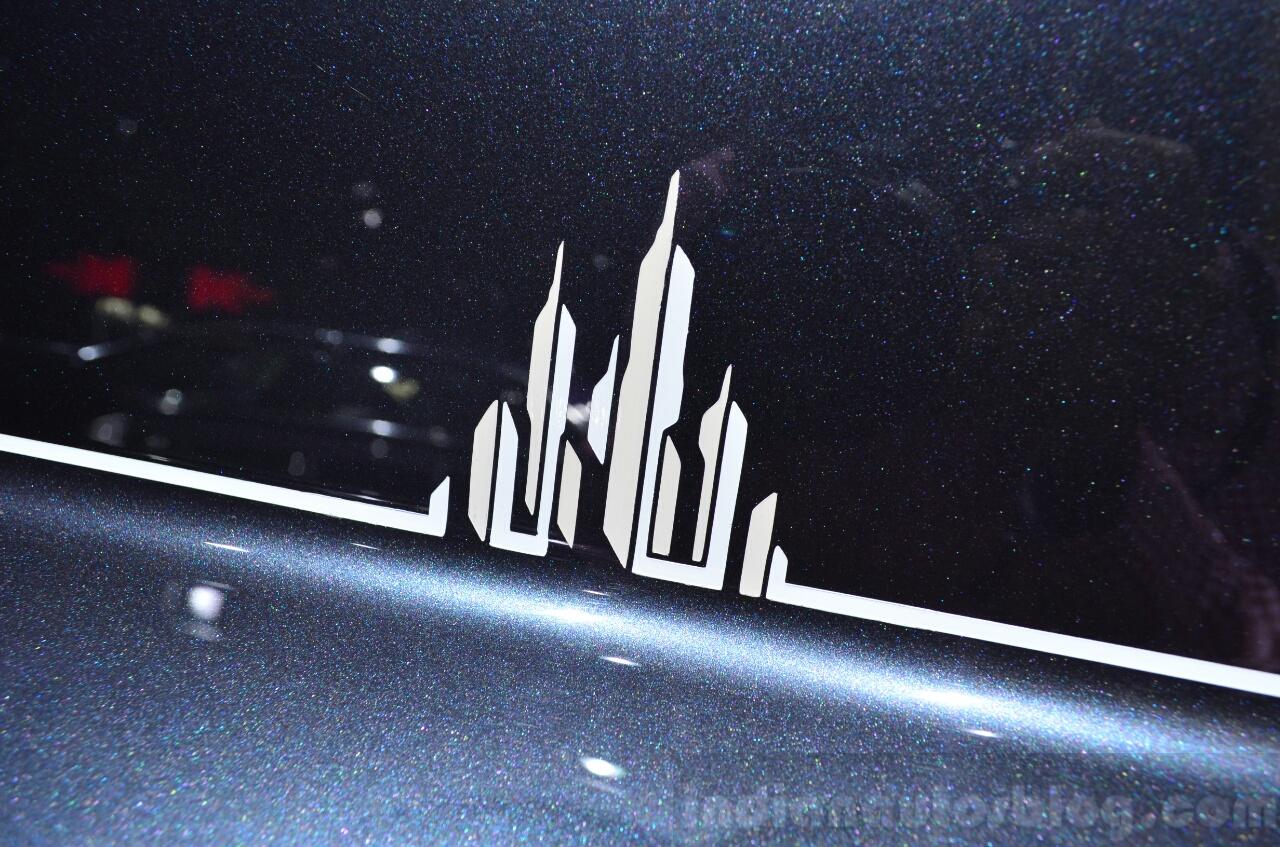 Rolls-Royce Phantom Metropolitan Collection coachline motif at the 2014 Paris Motor Show