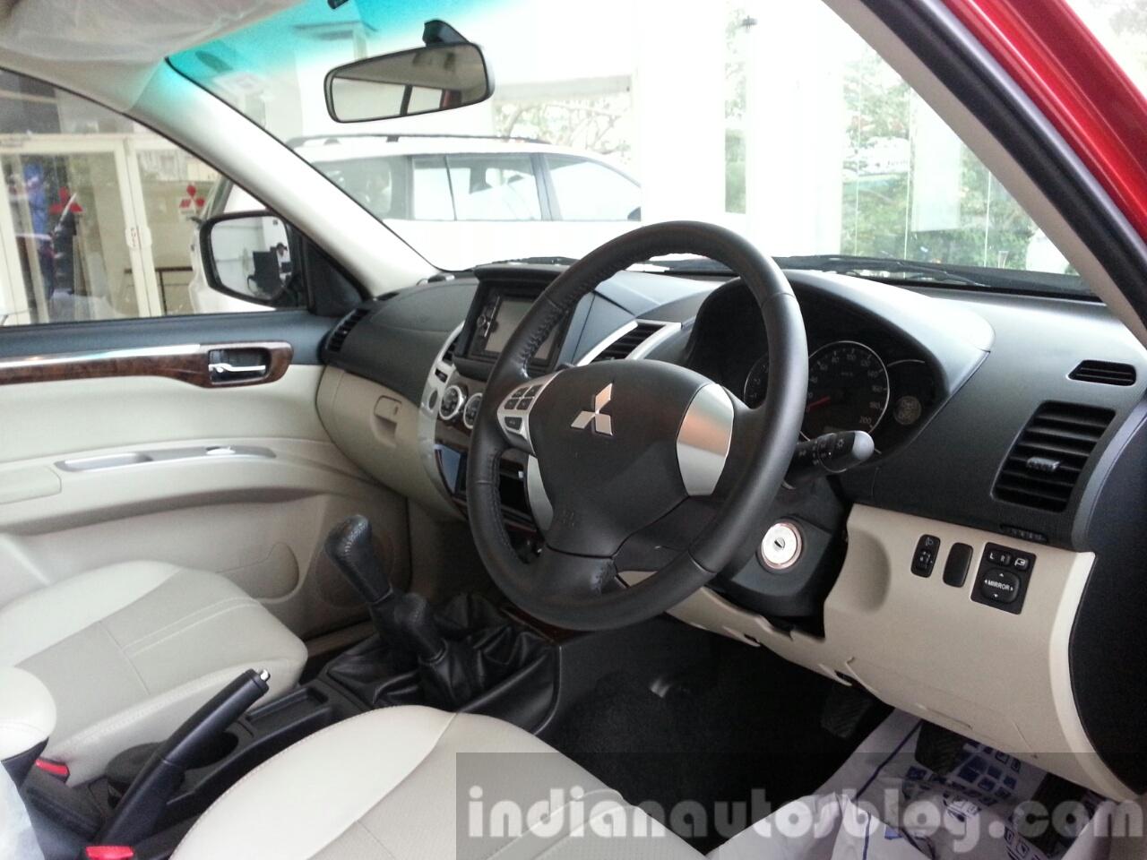 2014 Mitsubishi Pajero Sport facelift dashboard India