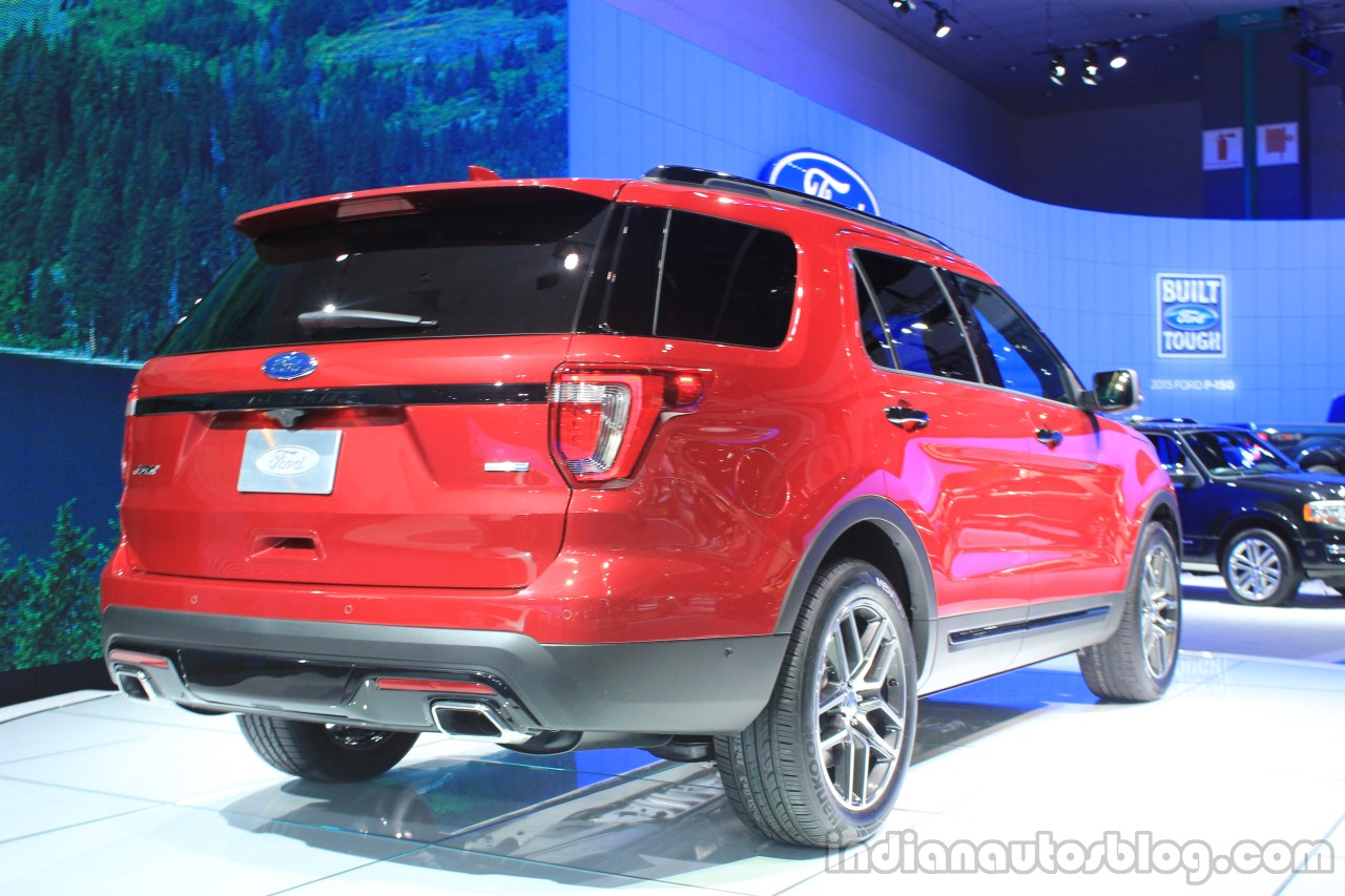 2015 Ford Explorer rear three quarters at the 2014 Los Angeles Auto Show