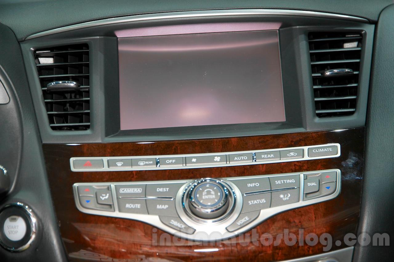 2015 Infiniti QX50 screen at the Guangzhou Auto Show 2014