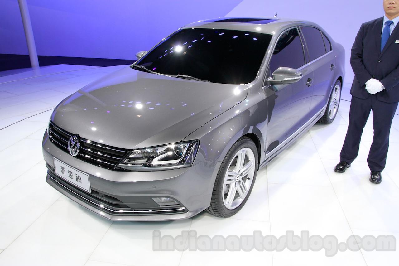 2015 VW Sagitar facelift front quarter at Guangzhou Auto Show 2014