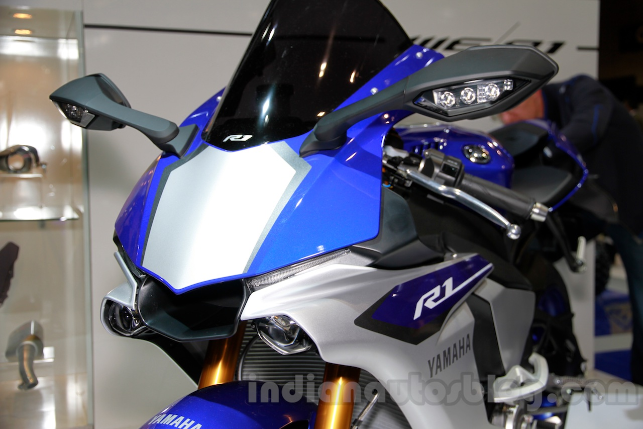 2015 Yamaha YZF-R1 LED DRL at EICMA 2014
