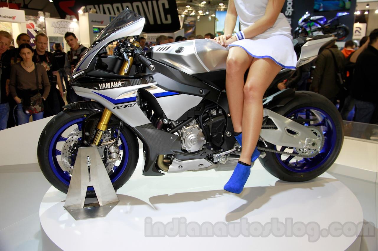 2015 Yamaha YZF-R1 M profile at EICMA 2014