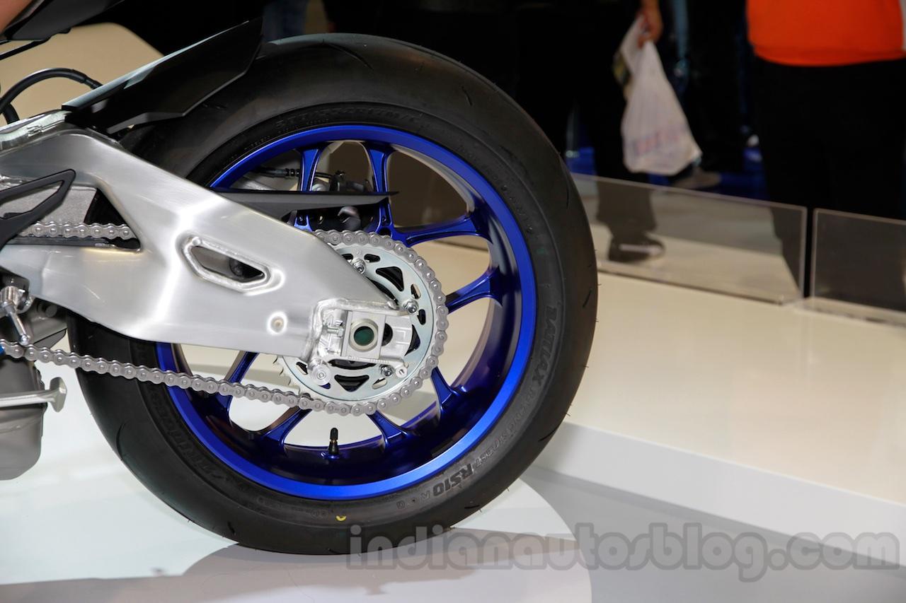 2015 Yamaha YZF-R1 M rear wheel at EICMA 2014 (2)