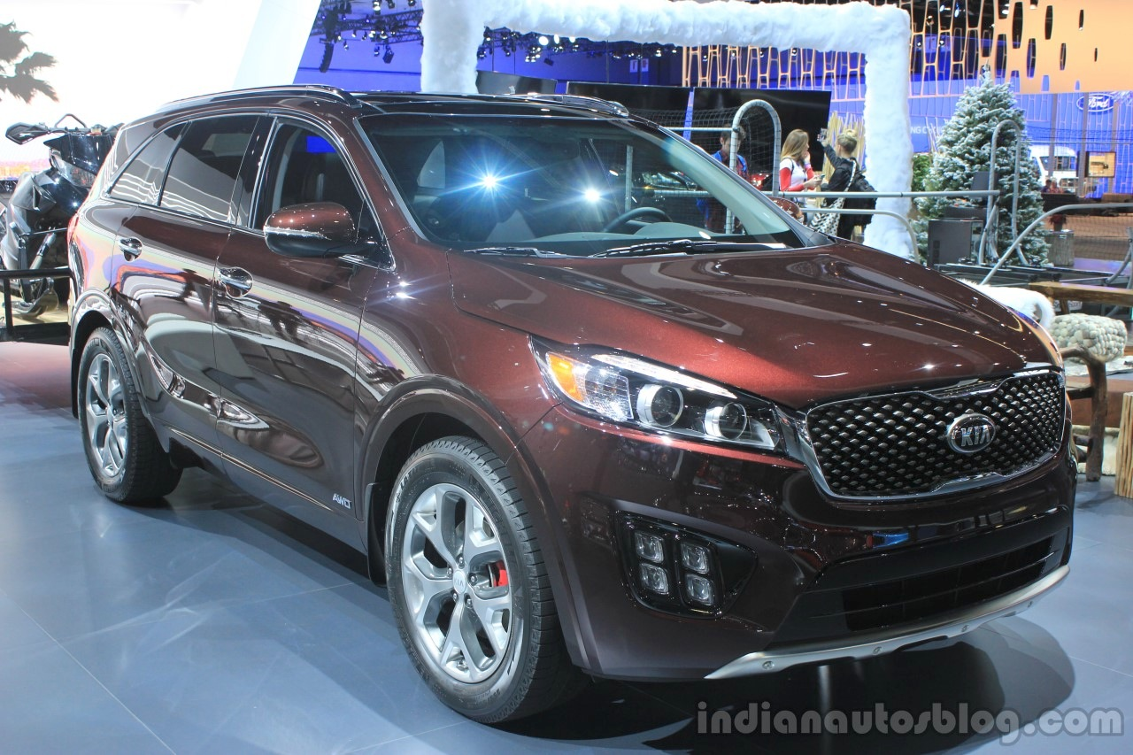 2016 Kia Sorento front three quarters left at the 2014 Los Angeles Auto Show