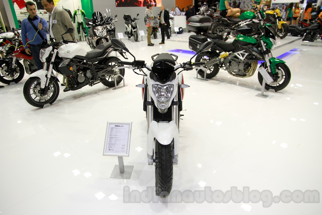 Benelli BN251 front at EICMA 2014