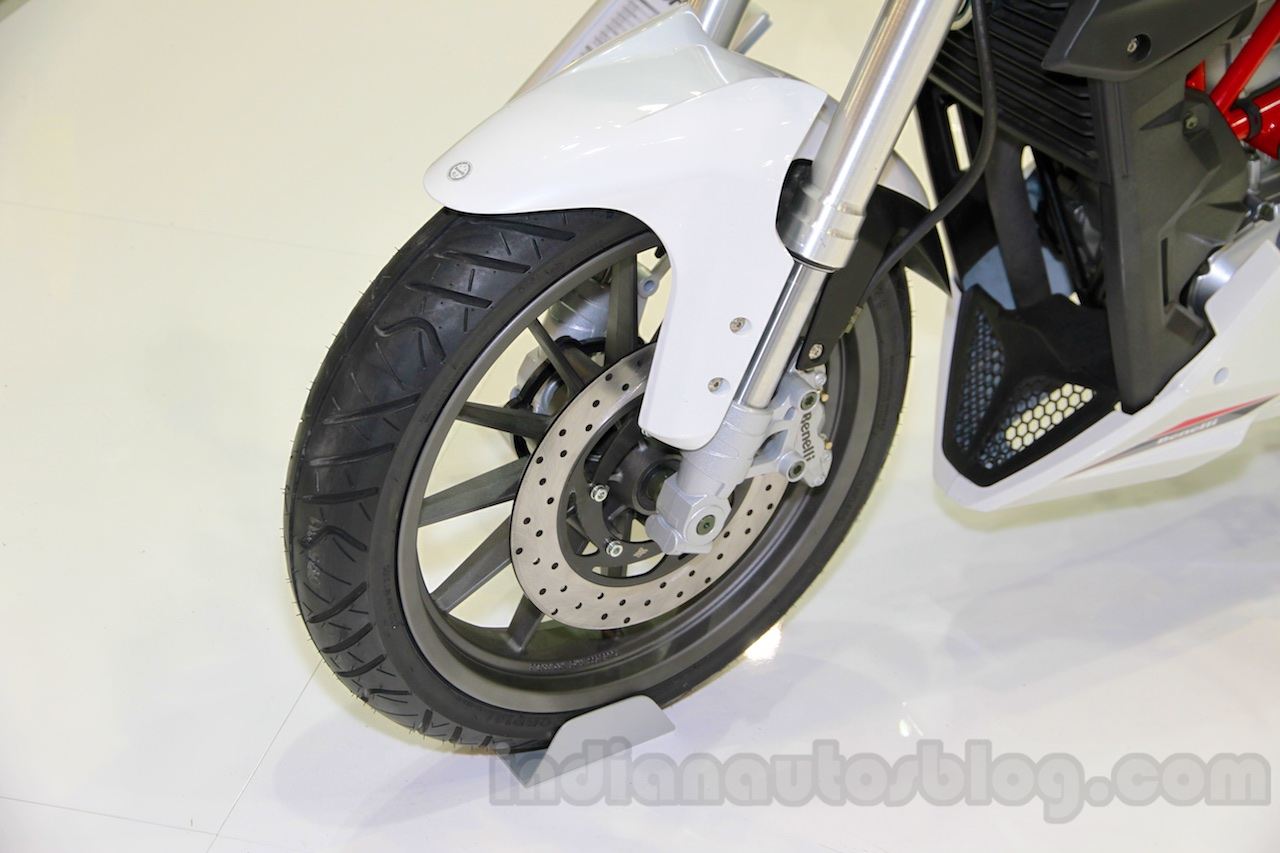Benelli BN251 front wheel at EICMA 2014