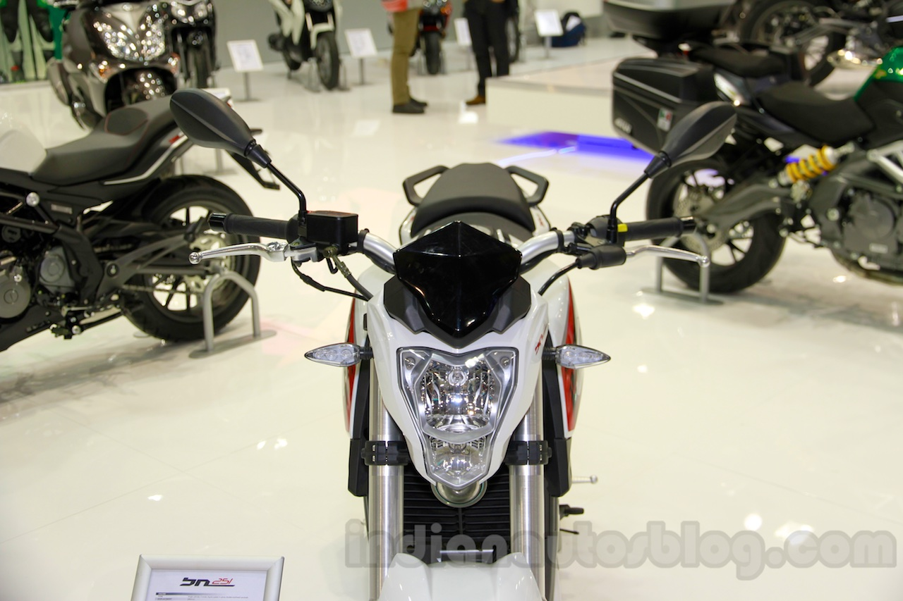 Benelli BN251 headlamp at EICMA 2014