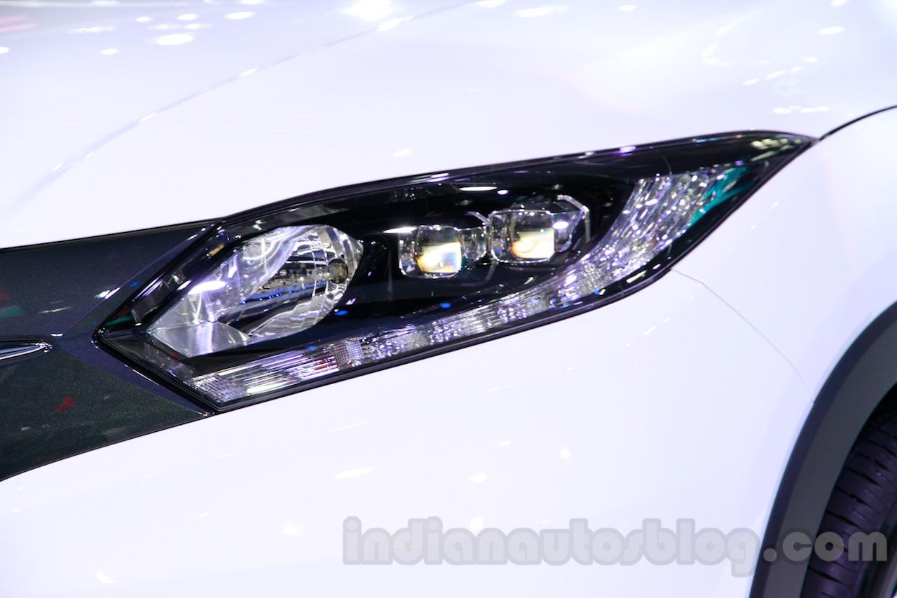 Honda Vezel headlight at the Guangzhou Auto Show 2014