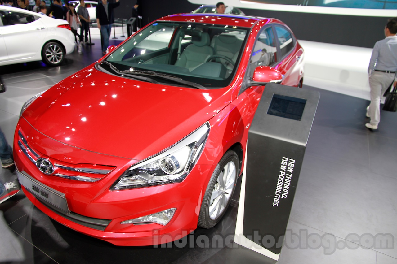 Hyundai Verna Facelift front quarters at the 2014 Guangzhou Auto Show