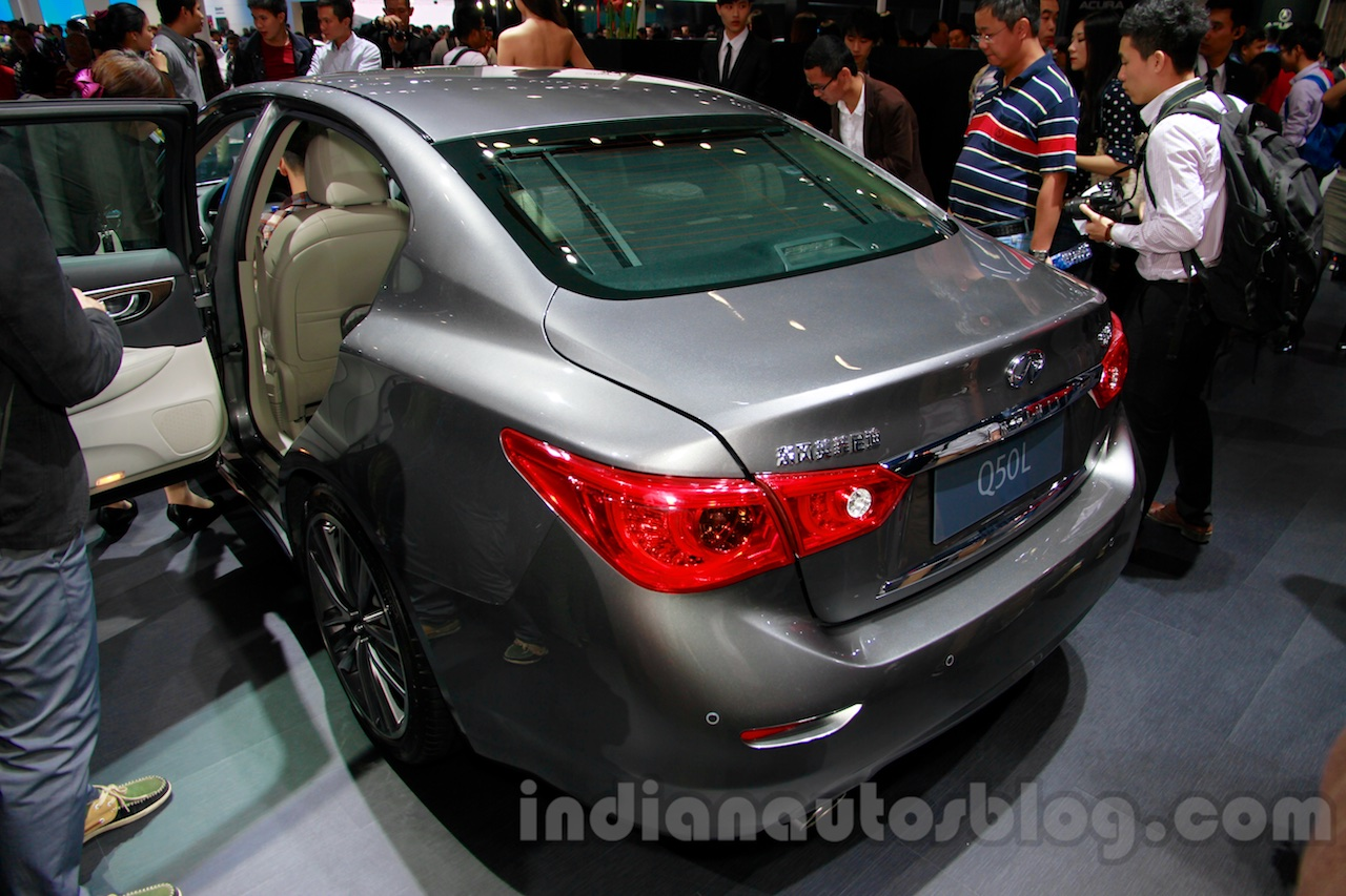 Infiniti Q50L rear quarter at 2014 Guangzhou Auto Show