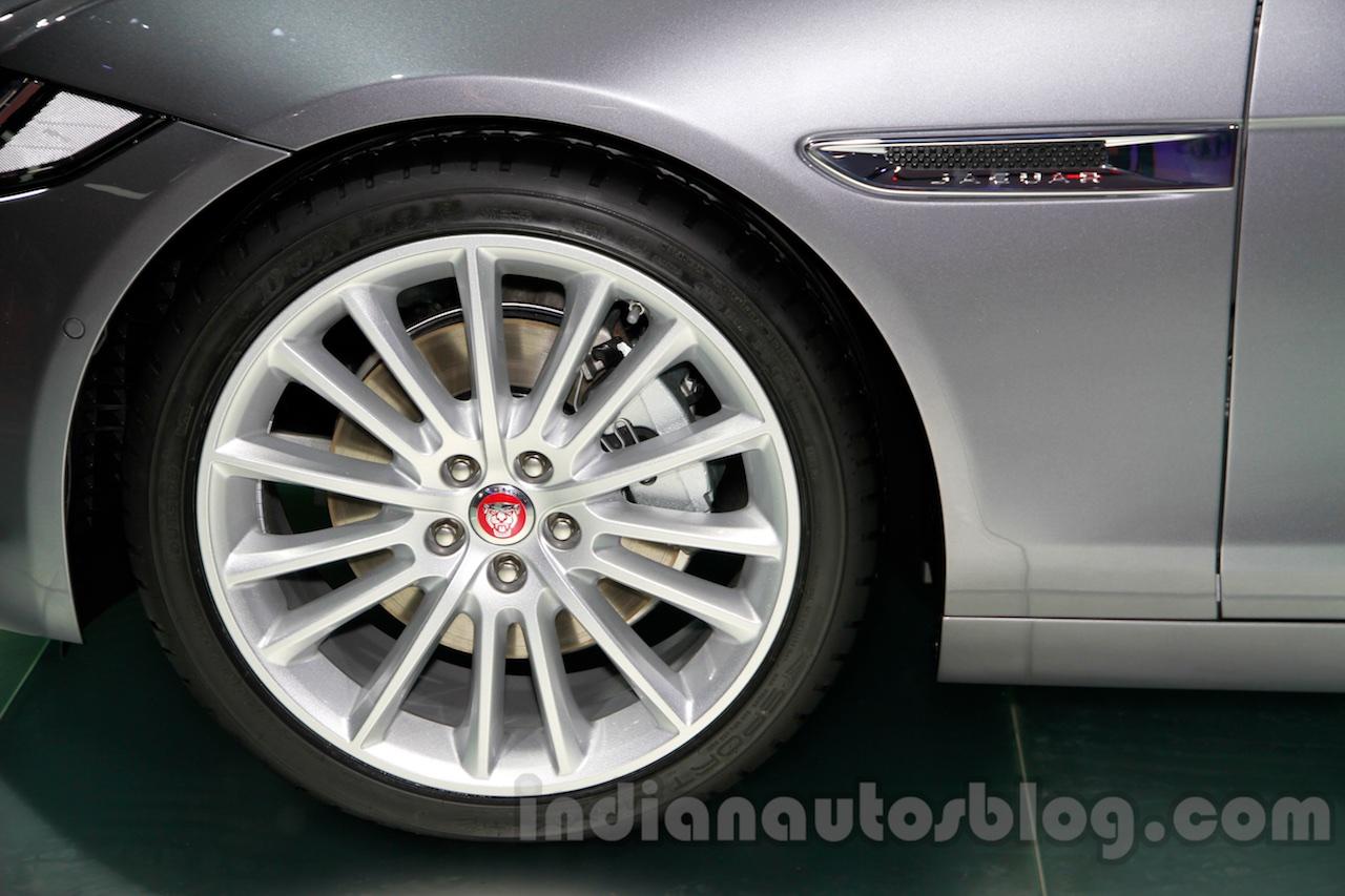 Jaguar XE wheel at the 2014 Guangzhou Auto Show