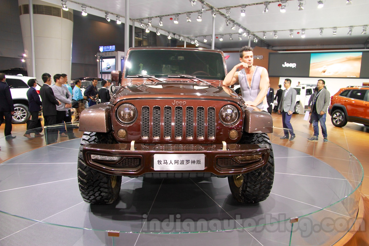 Jeep Wrangler Sundancer Edition front at 2014 Guangzhou Auto Show