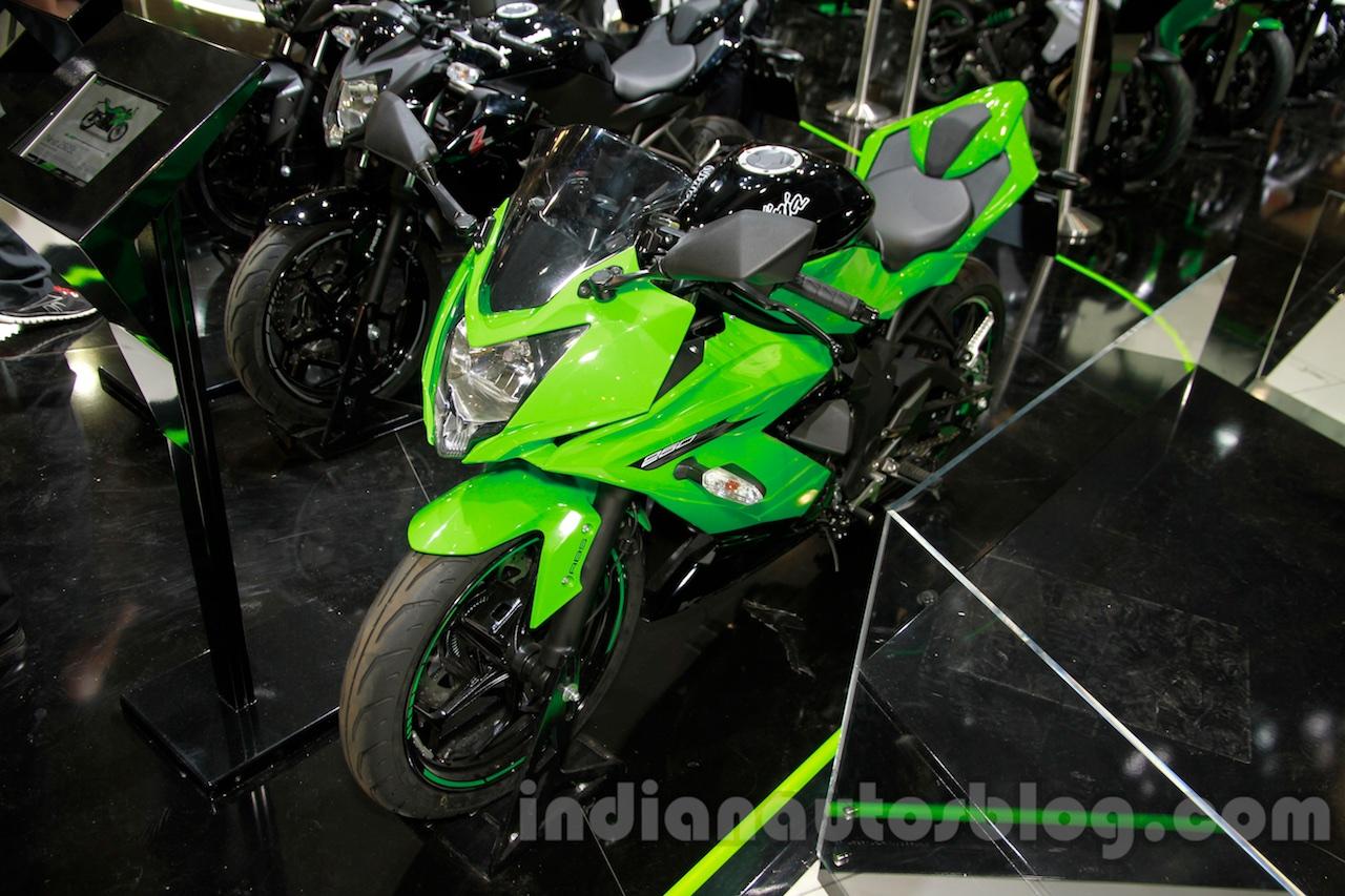 Kawasaki Ninja 250SL front quarter at the EICMA 2014