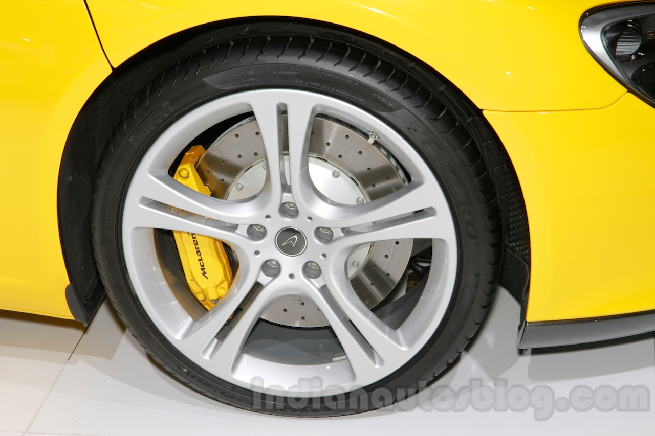 McLaren 625C wheel at the 2014 Guangzhou Auto Show