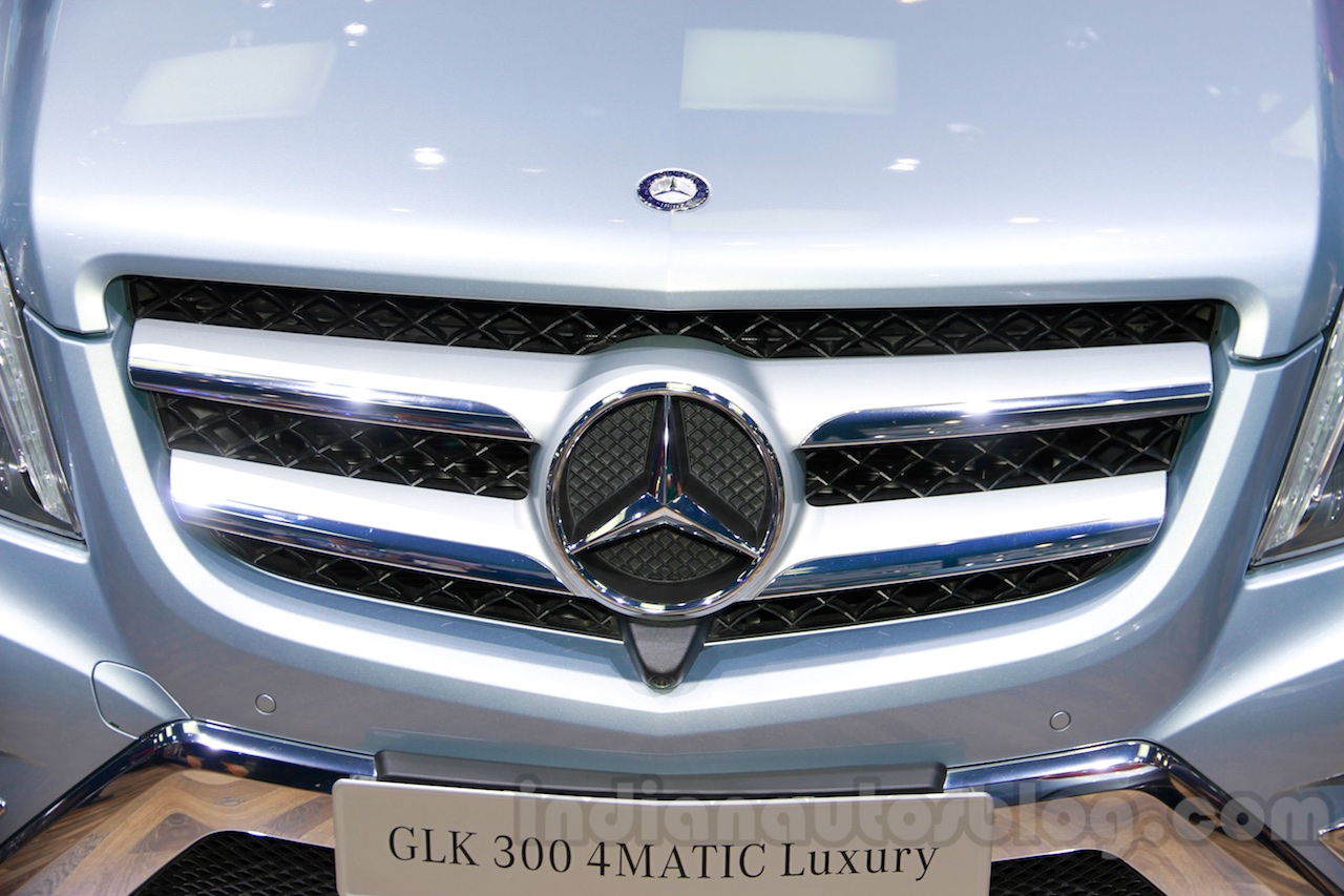 Mercedes GLK 300 4MATIC Luxury Prime Edition grille at Guangzhou Auto Show 2014