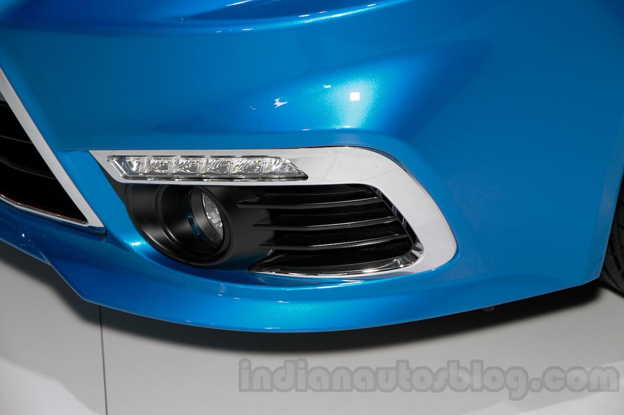 Mitsubishi Lancer Future LED DRL at 2014 Guangzhou Auto Show