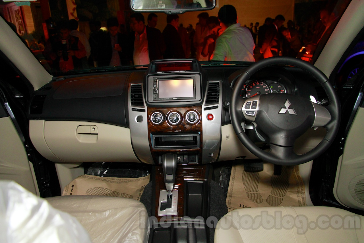 Mitsubishi Pajero Sport AT dashboard at the Indian launch