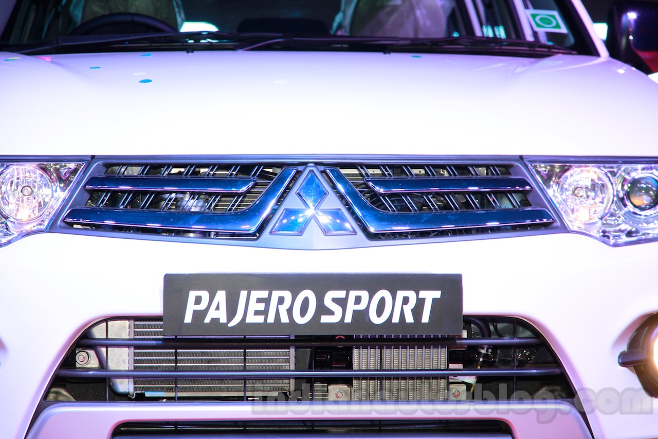 Mitsubishi Pajero Sport AT grille design at the Indian launch