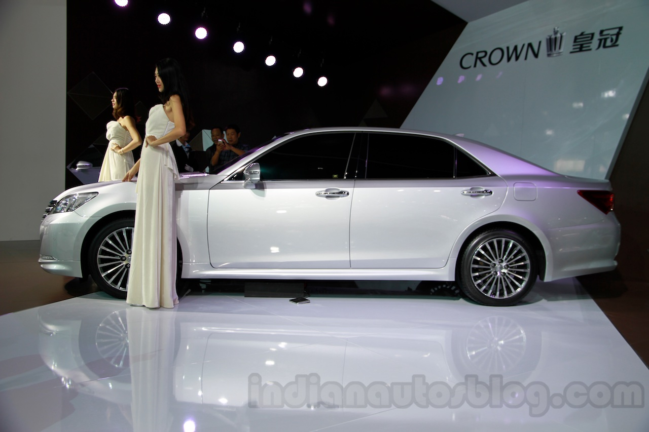New Toyota Crown side at the 2014 Guangzhou Auto Show