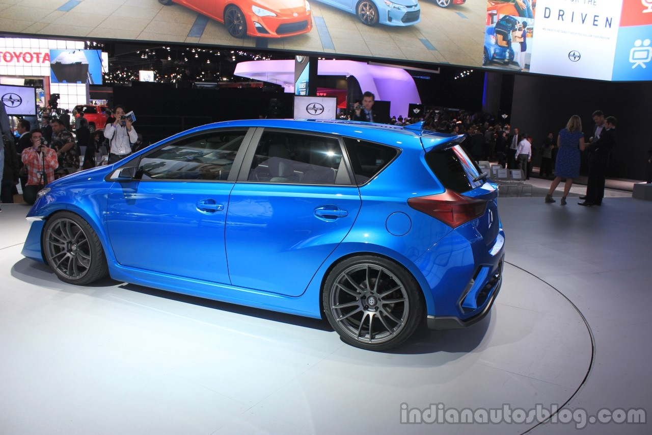 Scion iM Concept side view