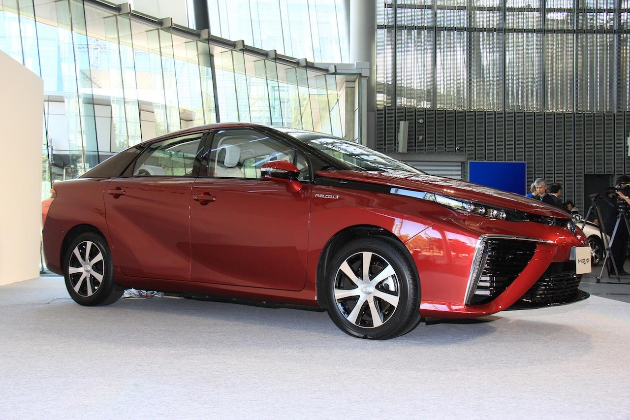 Toyota Mirai front three quarter