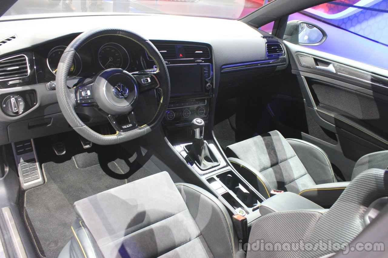 VW Golf R400 dashboard at the 2014 Los Angeles Auto Show