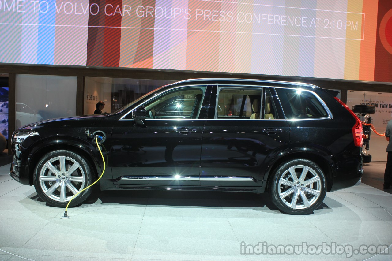 Volvo XC90 T8 side at the 2014 LA Auto Show
