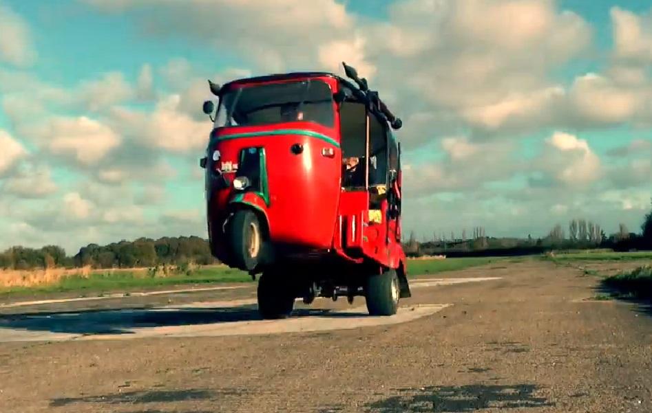 Waponized Bajaj Tuk Tuk wheelie with Honda CBR600RR engine